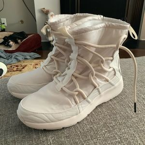 New Nike Womens Tanjun Winter Snow Boots Size 8.5